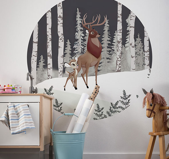 Circular murals for a child's room – with loving attention to detail